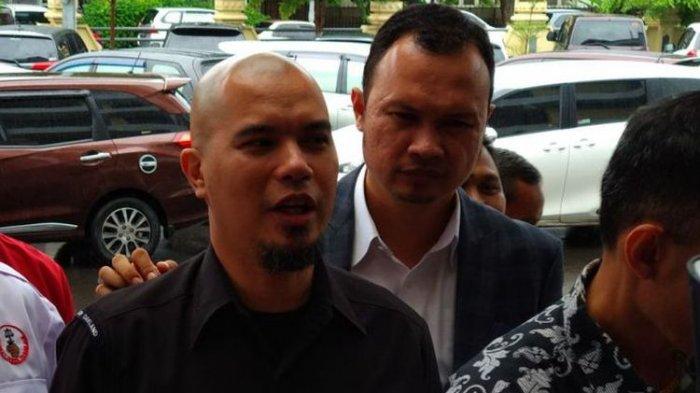 Ahmad Dhani Prasetyo di Pengadilan Negeri Surabaya
