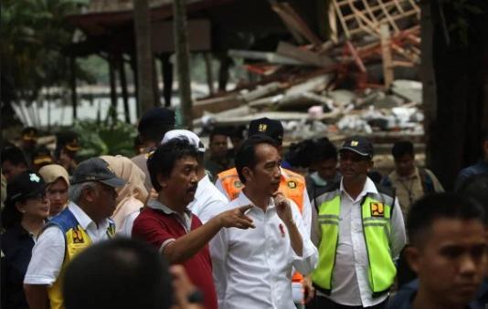 Joko Widodo Presiden meninjau Tsunami Pandeglang