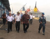 Bambang Haryo sat masih menjadi anggota DPR-RI melakukan Sidak di kawasan tanjung perak