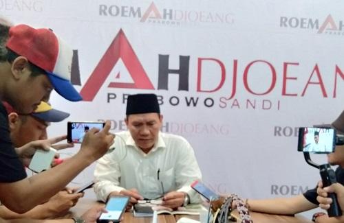Bambang Haryo memberikan keterangan Pers di Roemah Djoeang Sidoarjo (Foto : deliknews.com)