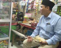 Bambang Haryo saat mampir di salah satu Warung, usai lakukan kunjungan kerja
