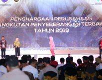 Bambang Haryo Soekartono saat mengembalikan formulir Bacabup di DPC Partai Gerindra Sidoarjo