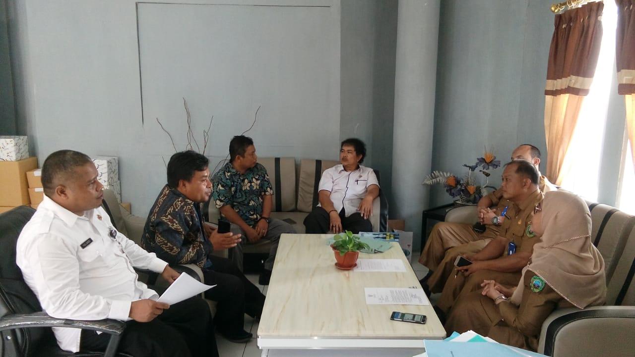 Komisioner KPU Pasaman di Kantor Dinkes Pasaman, Senin (13/1).