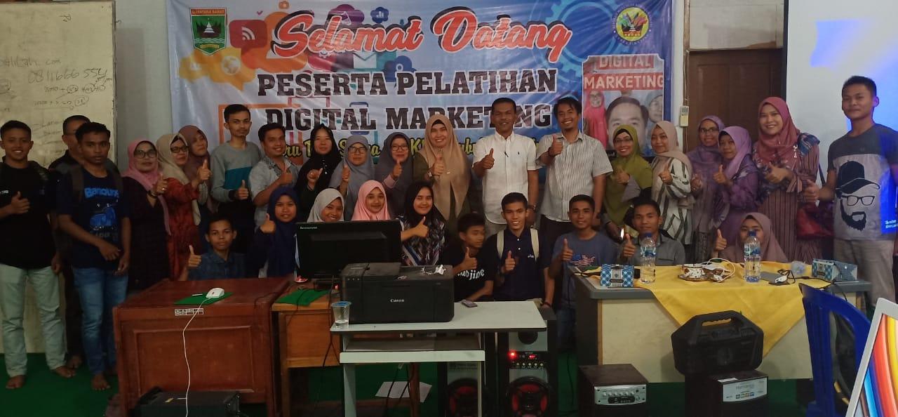 Pelatihan Digital Marketing di SMKN 1 Lubuk Sikaping