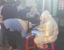 Pelaksanaan Rapid Test di Pasar Whindu Bhoga, Desa Pemogan, Densel. (Foto: Deliknews.com)