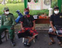 Bantuan Sembako untuk Pecalang Denpasar. (Foto: Deliknews.com)
