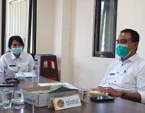 I Ketut Semara Putra (kanan) selaku Plt Kasubag Tata Usaha BPN Denpasar.