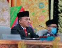 Ketua DPRD Pasaman Bustomi memimpin Rapat Paripurna istimewa, Kamis (8/10/20).