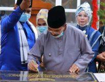 Bupati Pasaman meresmikan Islamic Center di Lubuk Sikaping, Kamis (8/10/20).