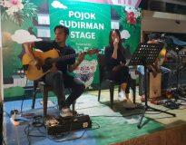 Live music grand opening Warung Pojok 8.