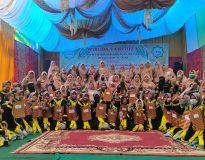 Foto bersama Santriwan Wisuda Tahfidz Ponpes Perkampungan Minangkabau, Minggu (28/2/21).